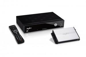 Tunder, HD-Receiver und Fernbedienung des Devolo dlan TV