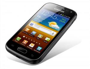 """Ergänzt seit September 2012 den Mobilfunk-Tarif """"Komplett-Flat"""": Das Samsung Galaxy Ace 2."""