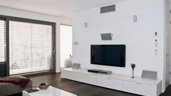 LED-Fernseher und Lautsprechersystem - So wird heimisches Fernsehen zum Erlebnis