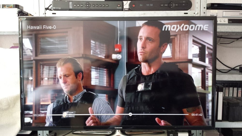 Serie Hawaii Five-O bei maxdome via Chromecast auf TV | Foto: Redaktion