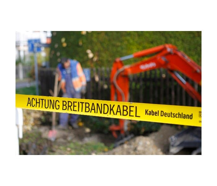 Kabel_Deutschland_Netzausbau_X4_Bagger_700