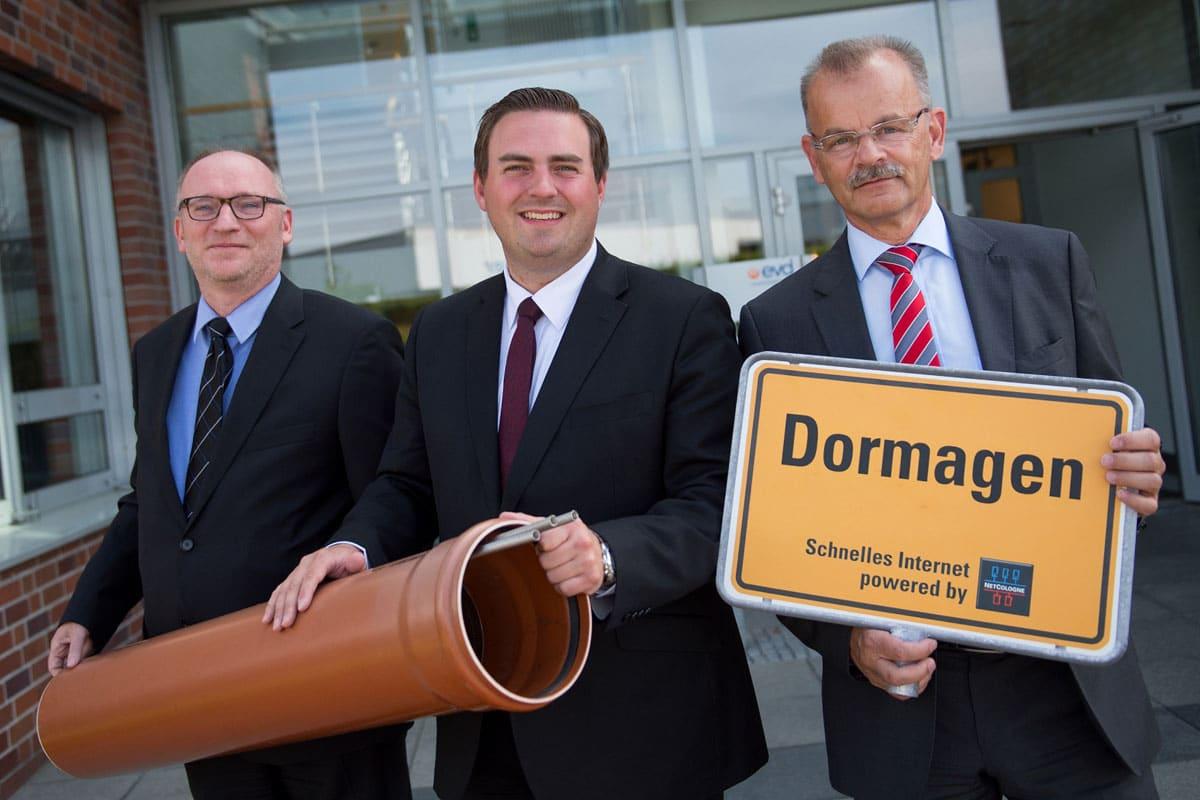 Gemeinsam beim Startschuss für den Ausbau in Dormagen (v.l.n.r.): Klemens Diekmann (Geschäftsführer Energie Versorgung Dormagen), Erik Lierenfeld (Bürgermeister Dormagen) und Jost Hermanns (Geschäftsführer NetCologne). | Foto: NetCologne (via E-Mail)